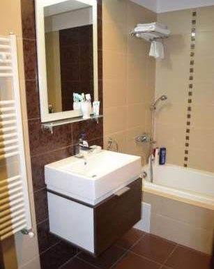 169475167_5_644x461_vanzare-apartament-buna-ziua-2-camere-finisat-si-mobilat-cluj_rev002