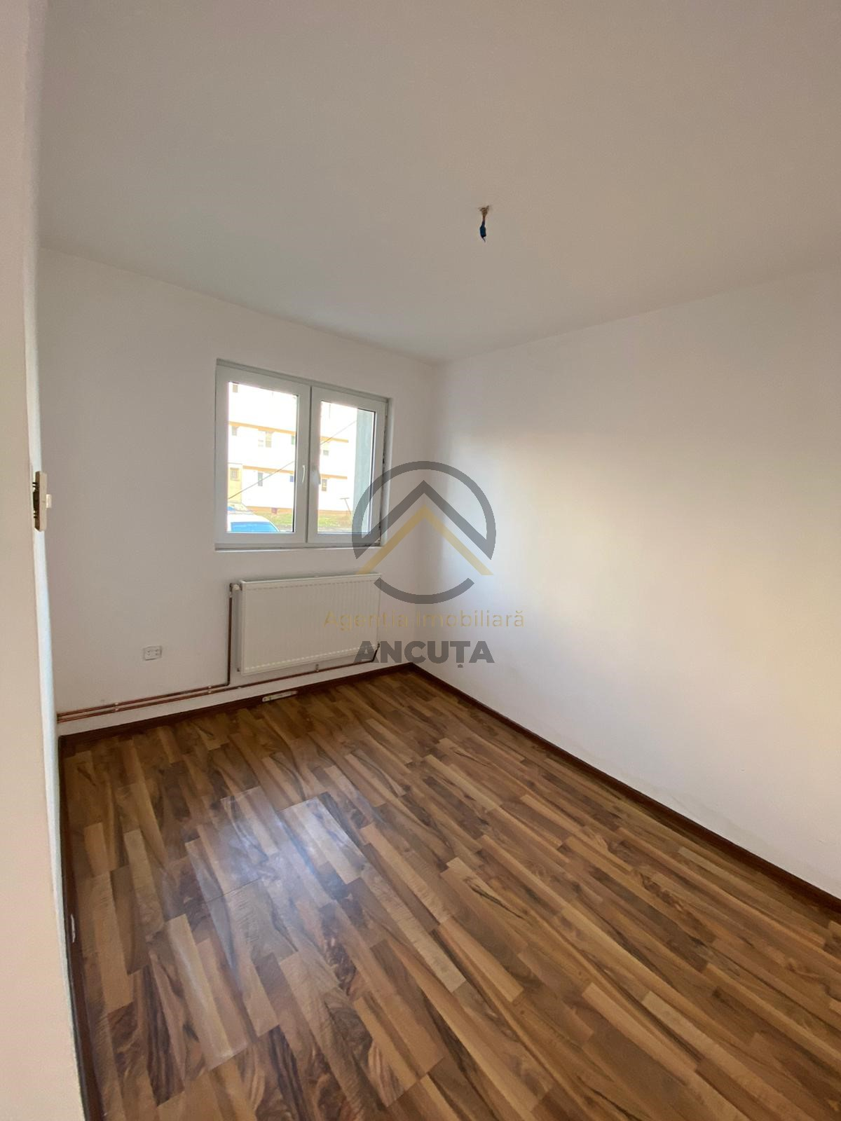 188778-Vanzare apartament 2 camere, Gherla, Cluj